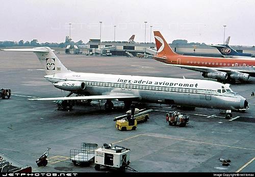 фото самолета McDonnell Douglas DC-9-32 № YU-AJR